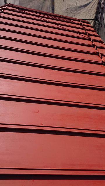 瓦棒塗装のサビ止め塗装後