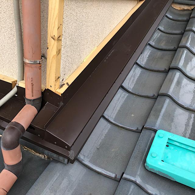 瓦の水切りから雨漏り