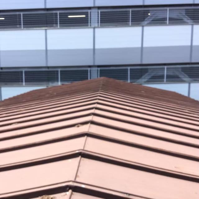 瓦棒屋根です