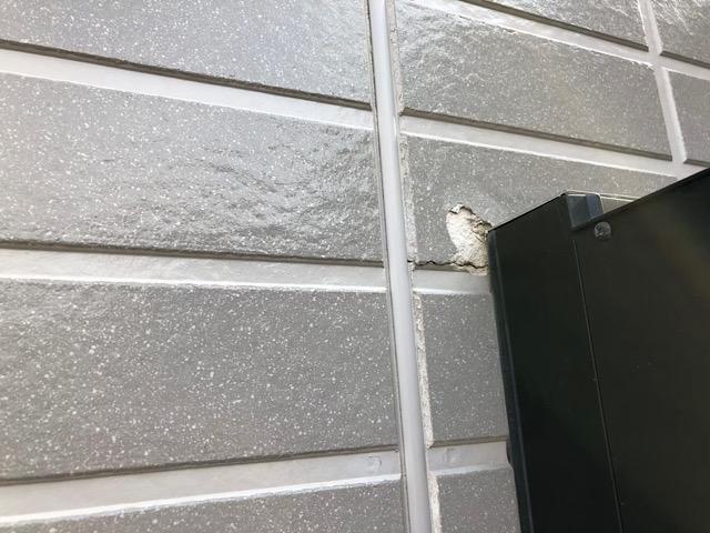 窓付近の塗膜剥がれ
