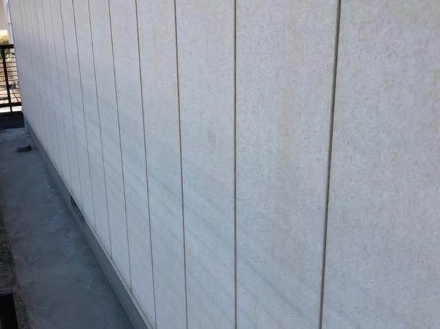 別角度の外壁の様子