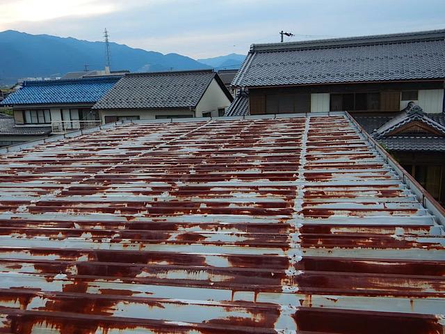 折板屋根のさび