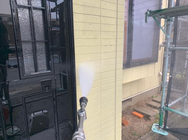 塗装前の高水圧洗浄