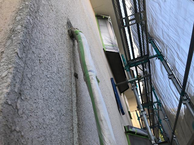 外壁塗装前にエアコンカバーを養生