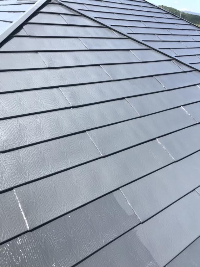 中塗り中スレート屋根