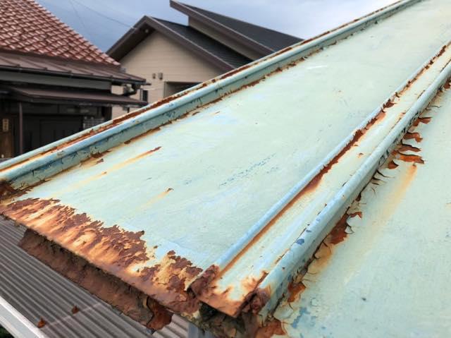サビサビ瓦棒屋根