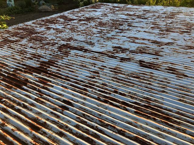 サビサビトタン屋根