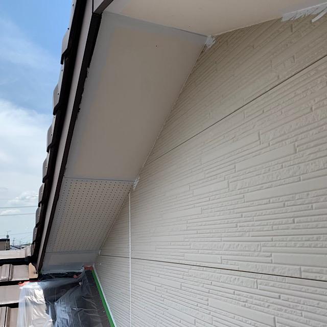 外壁塗装の工事の時に軒天も塗装