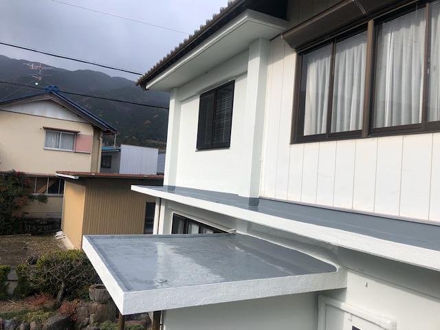 玄関上の防水と塗装