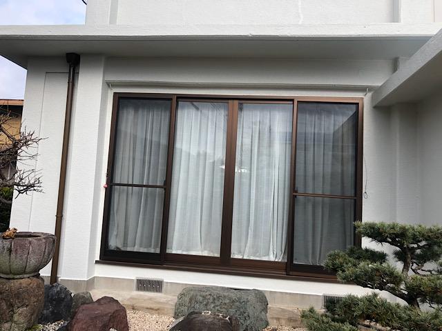 掃き出し窓付近の塗装