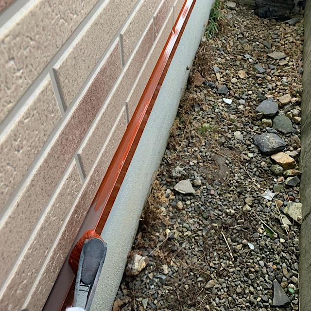 水切り部分の下塗り工事