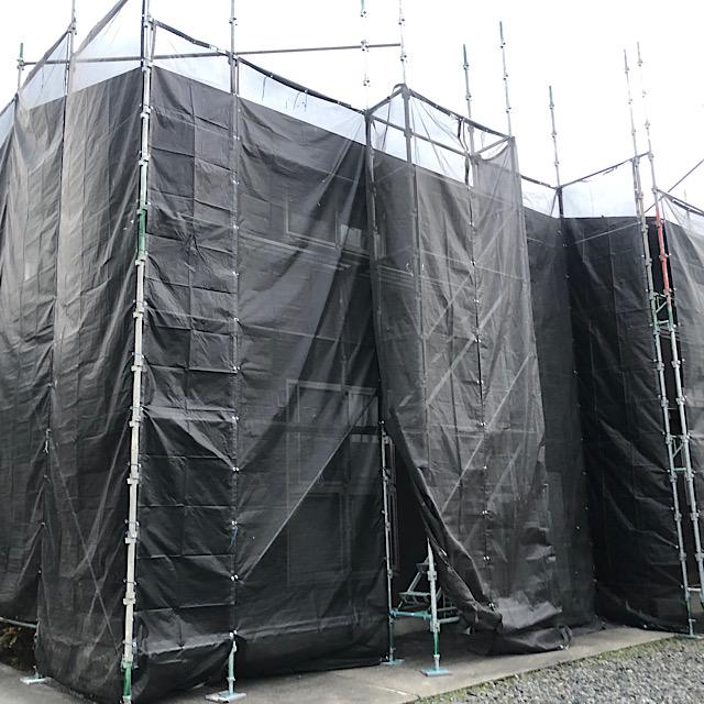 安八郡神戸町で外壁塗装工事用の足場