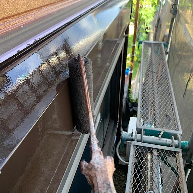 付帯部分部分シャッターボックスを仕上げ塗装