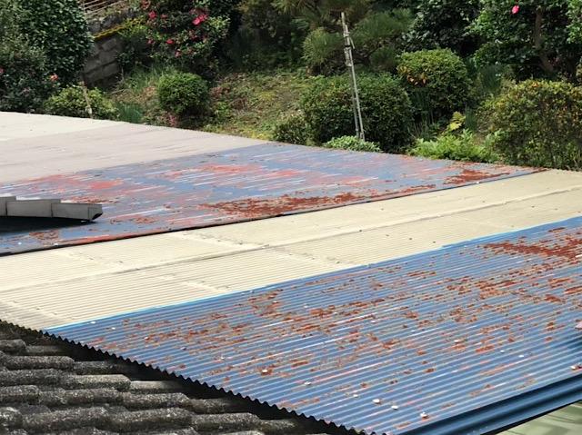 さびた屋根