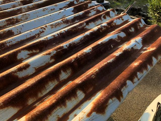 茶色くなってしまった屋根