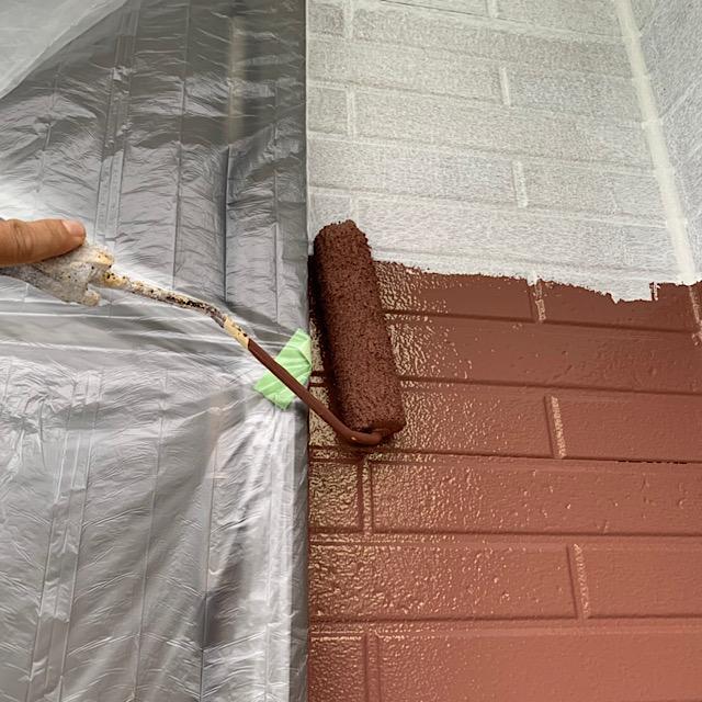 外壁塗装工事下塗りと中塗り