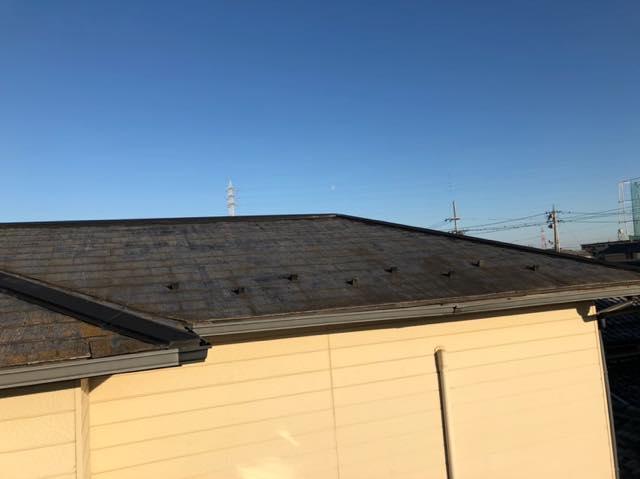 遠くから見たスレート屋根