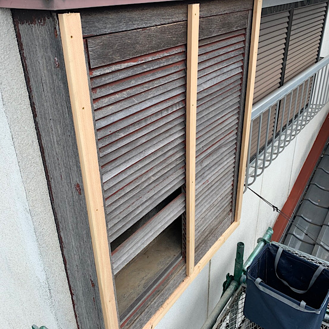 戸箱カバー工法の下地