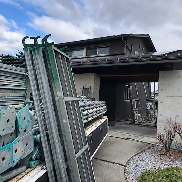 安八郡神戸町で外壁塗装の足場の写真
