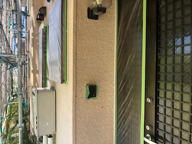 外壁塗装前に玄関を養生