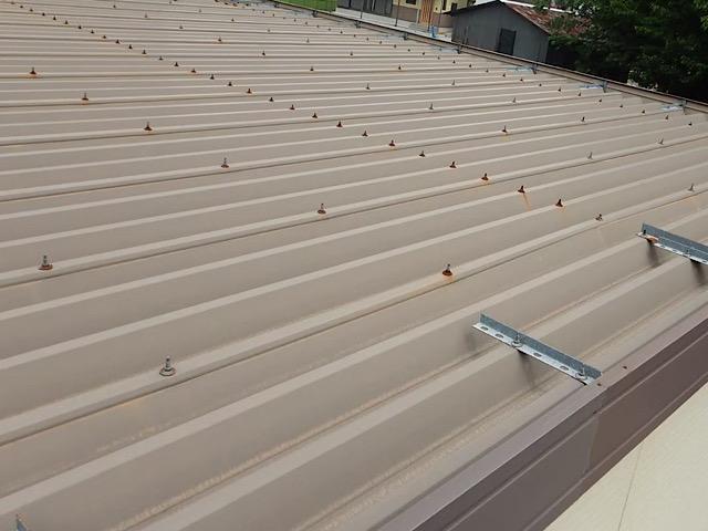 折板屋根です