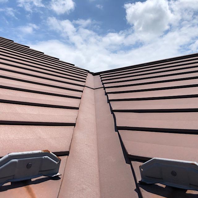 板金ガルバの屋根