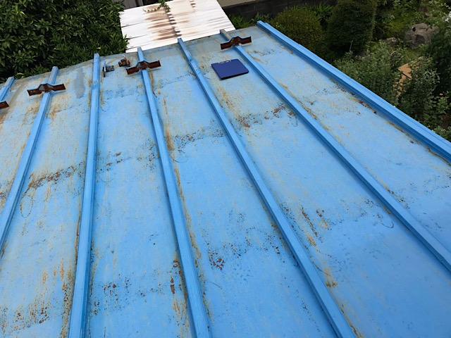 錆びている瓦棒屋根