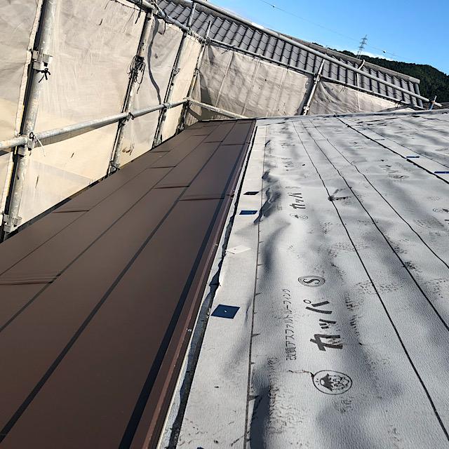 カラーベスト屋根をカバー工法