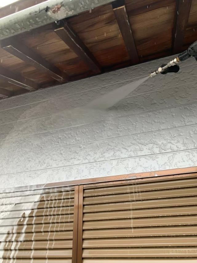 壁のバイオ高圧洗浄