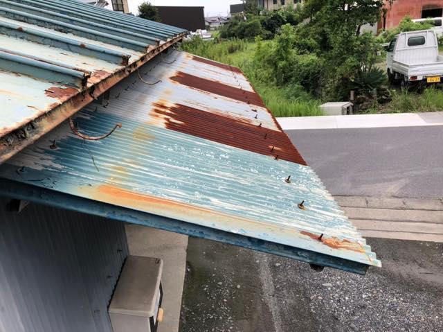 サビが広がった屋根