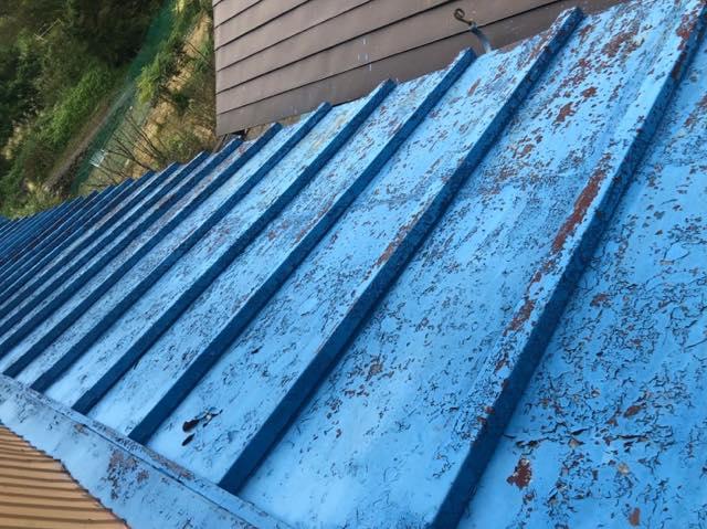 瓦棒屋根が劣化している