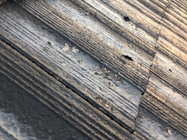 スレート屋根塗膜剥がれ