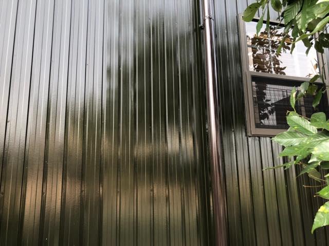 艶々の板金壁塗装
