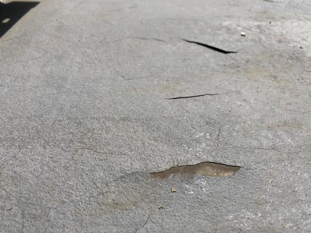 ベランダ床の塗膜が剥がれてきた
