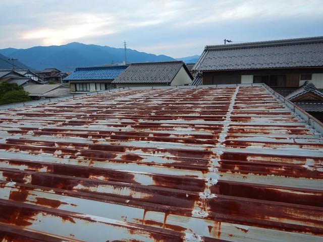 こちらは瓦棒屋根です