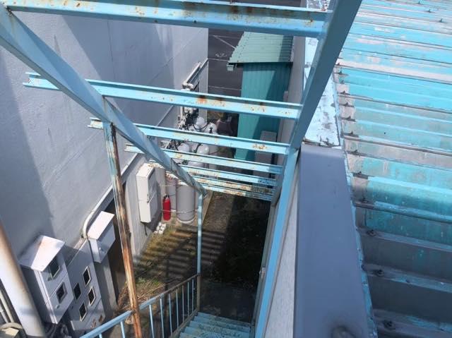塗装色あせ階段