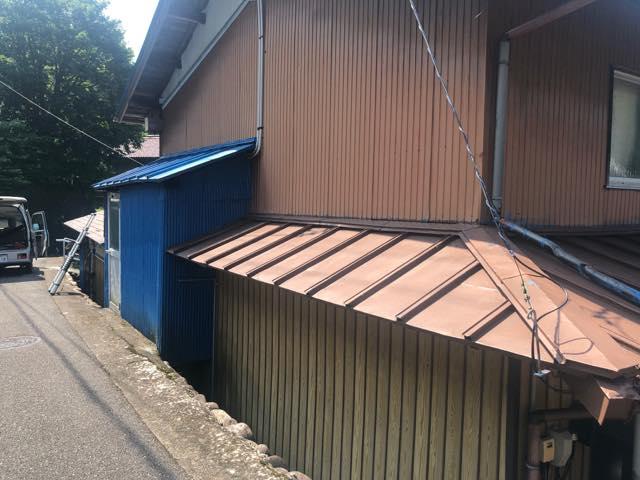 金属屋根の塗装色褪せ