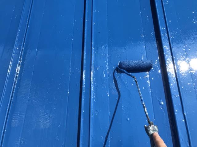 瓦棒屋根の塗装上塗り