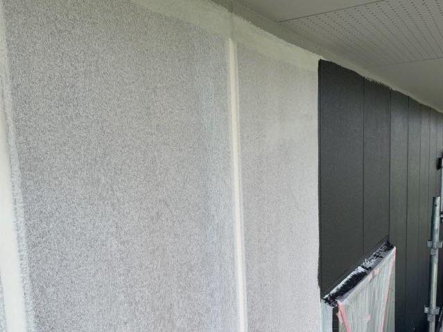 ALC壁の中塗り