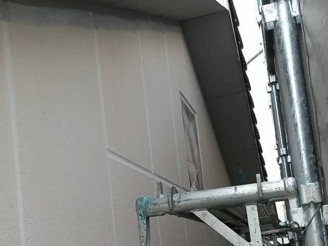 ALC壁の下塗り
